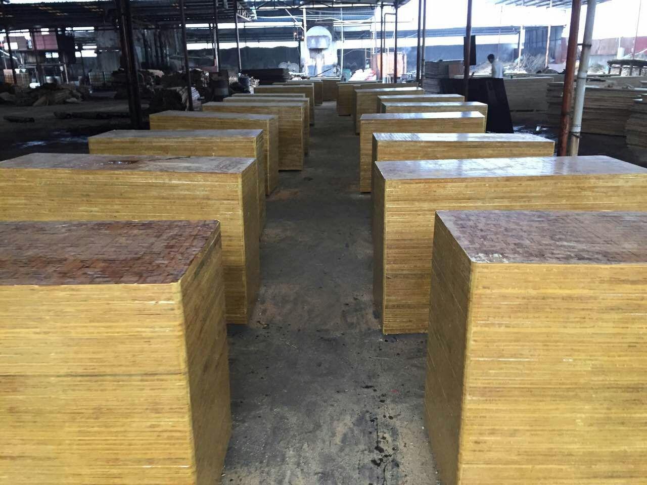 高密度耐磨耐压双面都可以使用各种尺寸竹胶砖托板厂家直销